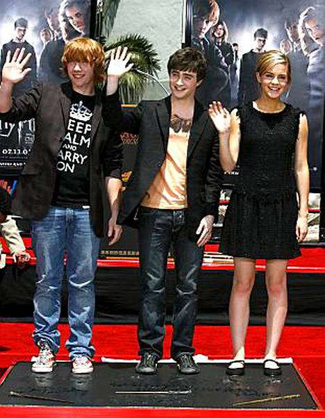 Harry Potter -elokuvan taika ei purrut kriitikoihin. Kuvassa elokuvan pääosien näyttelijät Rupert Grint, Daniel Radcliffe ja Emma Watson.