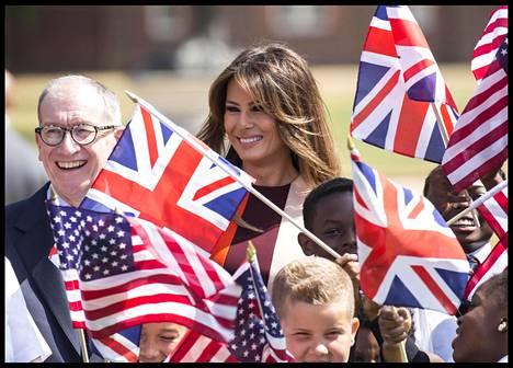 Melania Trumpille järjestettyä ohjelmaa isännöi perjantaina Theresa Mayn puoliso Philip May.