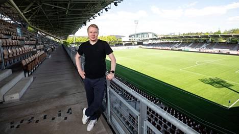 Aki Riihilahti oli mukana luomassa uutta eurosarjaa, Konferenssiliigaa, jonka lohkovaiheeseen HJK:lla on historiallisen helppo sauma edetä.
