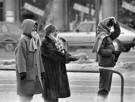 Pakkasta noin -30 astetta Helsingissä.