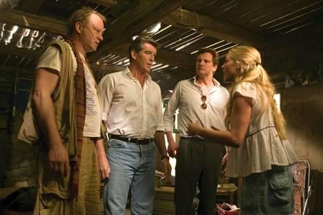 Amanda Seyfriedin näyttelemän päähenkilö Sophien isäehdokkaiden rooleissa nähdään Stellan Skarsgård, Pierce Brosnan ja Colin Firth.