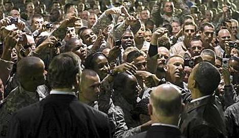 Barack Obama kiitti amerikkalaissotilaita uhrauksista Afganistanissa.