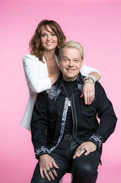 Kurre kosi Kirsiä televisiossa vuoden 1993 Miss Suomi -kisan suorassa lähetyksessä. Pari avioitui vuonna 2004.