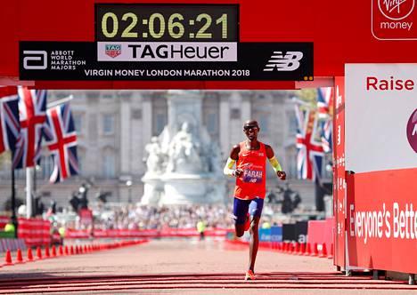 Farah rikkoi Britannian ennätyksen.