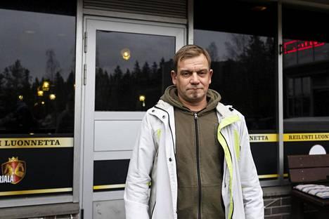 Teemu Hämäläinen, Lauste. 1. Kyllä ja ei. 2. En luota hallituksen toimiin. Viranomaiset ovat asiassa kädet sidottuna.
