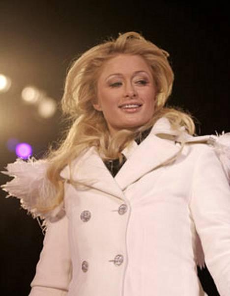 Paris Hiltonin laulajanura ei etene.