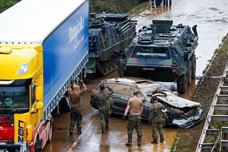 Tulvat ovat aiheuttaneet tuhoa Erftstadtissa Nordrhein-Westfalenin osavaltiossa.