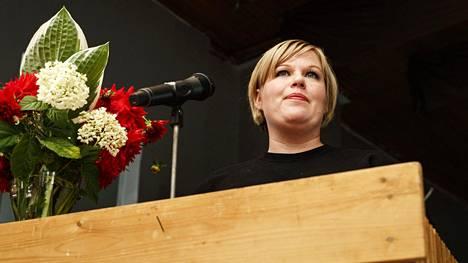 Annika Saarikko palaa tiede- ja kulttuuriministerin tehtävään.