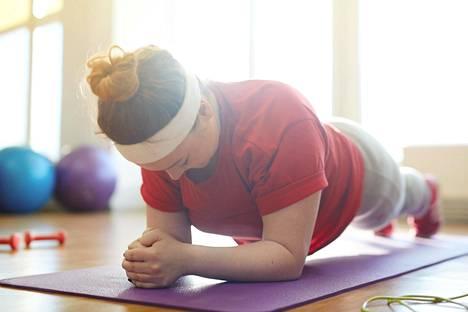 Lihakset ovat aineenvaihdunnan moottori – mitä enemmän kehossa on lihaksia, sitä helpompaa on painonhallinta.