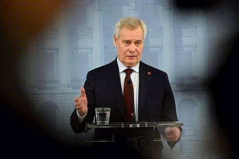 Antti Rinteellä riittää yhä kiinnostusta politiikan ytimeen.