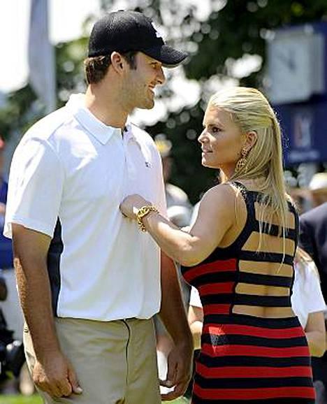 Tony Romo ja Jessica Simpson edustivat yhdessä vielä heinäkuun alussa.