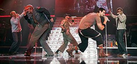 Jos Backstreet Boys todetaan syylliseksi Hausmyllyn kappaleen varastamiseen, saattaa suomalaisyhtye saada tuntuvat korvaukset.