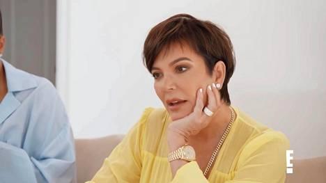 Kris Jenner on koko Kardashian-perheen äiti. Caitlyn Jennerin julkistettua muistelmansa, lapset riensivät puolustamaan äitiään.
