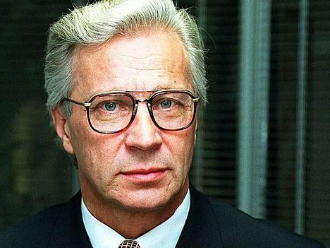 Jorma Kalskeen kantelua tutkinut Asianajajaliitto antoi maanantaina varoituksen ja kaksi huomautusta asianajajille oikeudenkäyntikulujen laskutuksen puutteellisesta erittelystä.