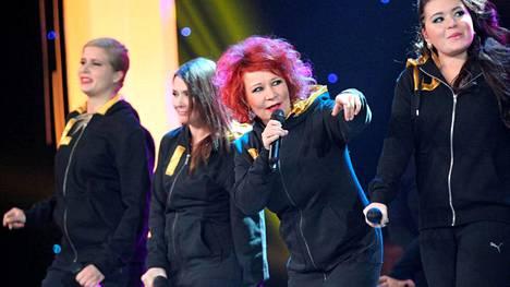 Laura Pyrrö (vas.), Irina, Vicky Rosti ja Diandra Flores kilpailevat Tähdet, tähdet -ohjelmassa.