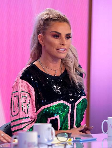 Katie Price tv:ssä vuonna 2019.