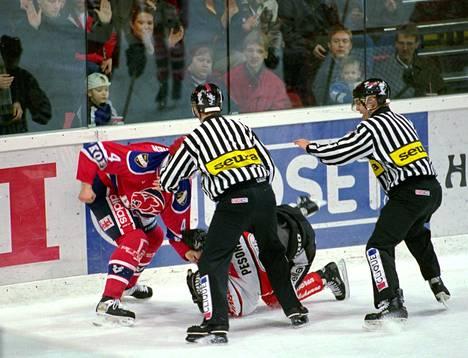 Veli-Pekka Kautosen ja Jussi Pesosen tappelu johti rikostutkintaan.
