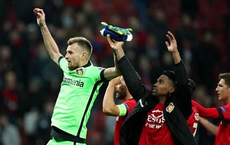 Lukas Hradecky pääsi hiljattain juhlimaan Atletico Madridin kukistamista.