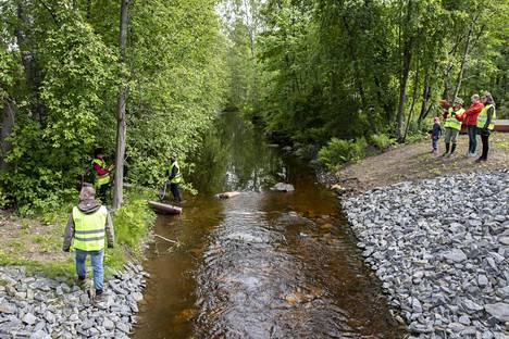 Purojen maisemallista arvoa keskeisessä kaupunkiympäristössä kohennetaan samalla, kun purot kunnostetaan.