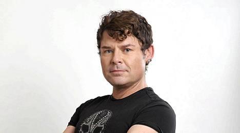 Gary Revel JR, 39, Helsinki. Ammatti: Näyttelijä-laulaja-tanssija. Kansalaisuus: USA (asunut 13 vuotta Suomessa)