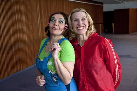 Riitta Havukainen ja Eija Vilpas kehittivät rakastetut loimaalaisrouvat Hansun ja Pirren ollessaan Teatterikorkeakoulussa.