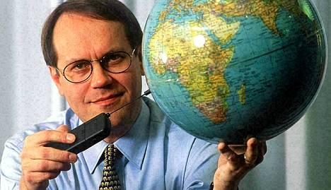Ollila kuvattuna vuonna 1995. Nokian johdossa hän aloitti jo vuonna 1992.