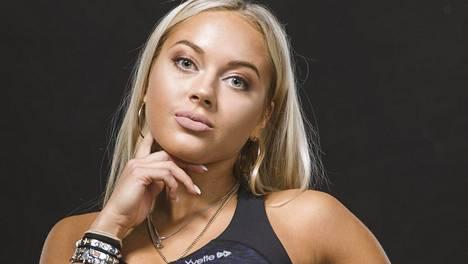 Erna Husko poseerasi sporttisesti IS:lle Fitnessmalli 2017 -kilpailun yhteydessä.