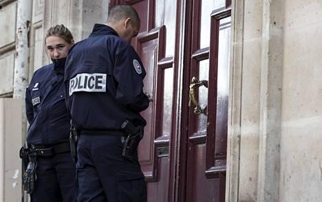 Ranskan poliisi jatkaa ryöstön tutkintaa.