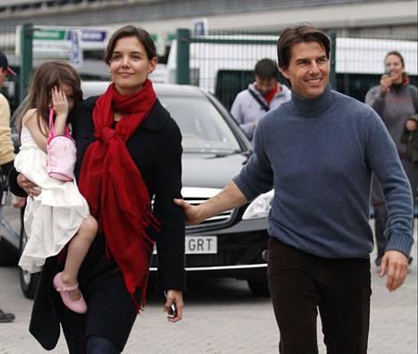 Holmes ja Cruise erosivat vuonna 2012, eikä Suri-tytärtä ole nähty sittemmin julkisuudessa.