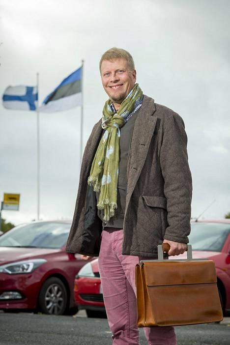 Mika Keränen asuu kahdestaan appiukkonsa kanssa. – Suomalaisille se tuntuu oudolta, mutta Virossa on tavallista, että nuoremmat pitävät vanhemmista huolta.