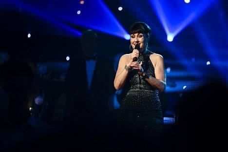 Saija Varjus esiintyi Liikuttava tango -juhlakonsertissa Seinäjoen Kisa-Areenalla heinäkuussa 2016. Esitys kosketti yleisöä, ja Varjuksen oli vaikeaa pidätellä kyyneleitään.