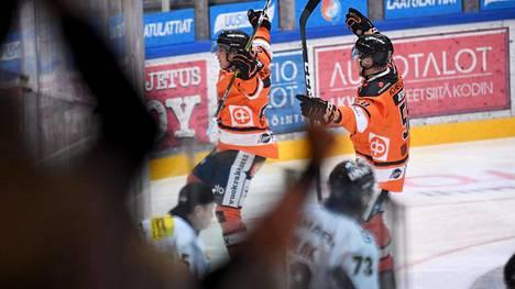 Kauden avausottelussa HPK–Kärpät 1. lokakuuta Hämeenlinnan jäähallissa oli vielä 2 006 katsojaa.