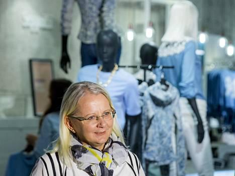 Eveliina Melentjeff kertoi alkuvuodesta ostavansa Seppälän perinteisen vaateketjun.