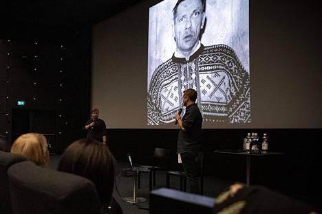 """""""Häkä-Enska"""" ei koskaan myöntänyt tahallista henkirikosta. Miika Viljakainen ja Lauri Silvander kertoivat liftarisurmista Dekkarilauantaissa."""