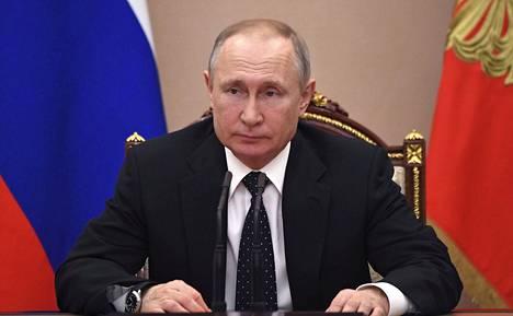Venäjällä odotetaan Vladimir Putinin ilmoitusta perustuslakiäänestyksen päivämäärästä ja koronaviruksen aiheuttamista mahdollisista uusista varotoimista.