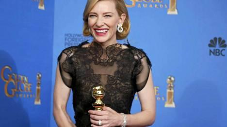 Cate Blanchett palkittiin parhaan naisnäyttelijän Golden Globella roolistaan elokuvassa Blue Jasmine. Blanchettia on yksi Oscar-kisan ennakkosuosikeista parhaan naisnäyttelijän palkinnon saajaksi.