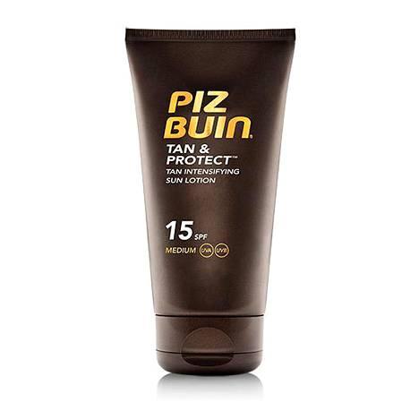 Piz Buin Tan & Protect Tan Intensifying Sun Lotion SPF 15 (saatavilla myös SPF 30) on hien- ja vedenkestävä. 22 € / 150 ml.