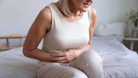 Turvotus johtuu tyypillisesti siitä, että suolistoon kertyy suolikaasua, joka venyttää suolen seinämää ja saa aikaan vatsan turvottelua ja kipua.