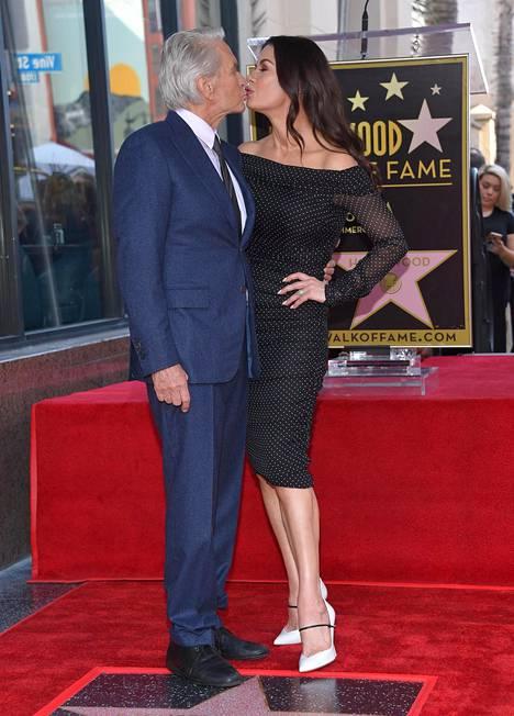 Michael Douglas sai tähden Hollywoodin Walk of Famelle marraskuussa 2018.