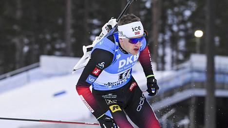 Tarjei Bö hiihti voittoon Kontiolahdella torstaina.