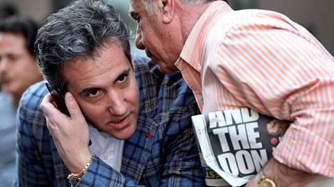 Donald Trumpin pitkäaikainen asianajaja Michael Cohen on rikostutkinnan kohteena.