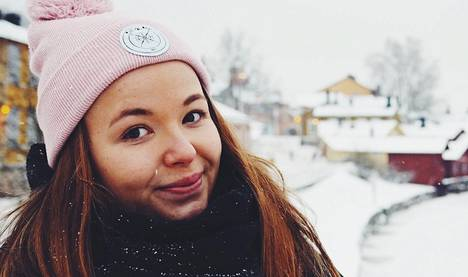 Veera Kinnunen kirjoittaa Aurinkorasvaa ja aloe Veeraa -matkablogia.
