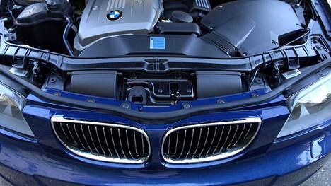 Kuvituskuva BMW:n moottoritilasta.