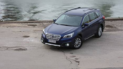 Subaru Outback uudistui ja se todellakin näkyy auton etupuolelta.