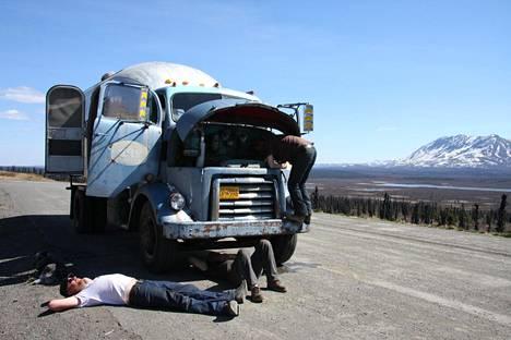 """Heikki """"Hese"""" Tolonen nähtiin Alaska Highway -dokumenttielokuvassa."""