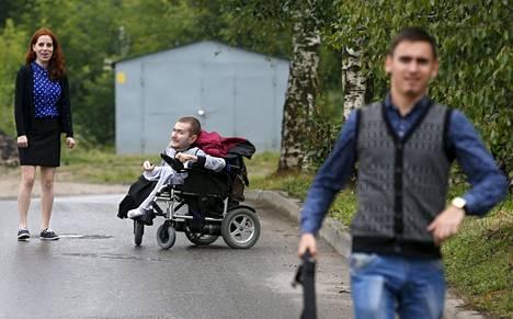 30-vuotias Spiridonov sairastaa geenivirheen kautta periytyvää Werdnig-Hoffmannin tautia.