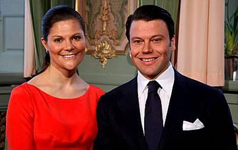 Kruununprinsessa Victorian ja Daniel Westlingin tulevia häitä varjostaa sulhasen munuaissairaus.