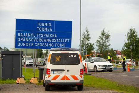 Valtaosa tulevista autoista on rekisteröity Ruotsiin, mutta kuskina on Suomen kansalainen.