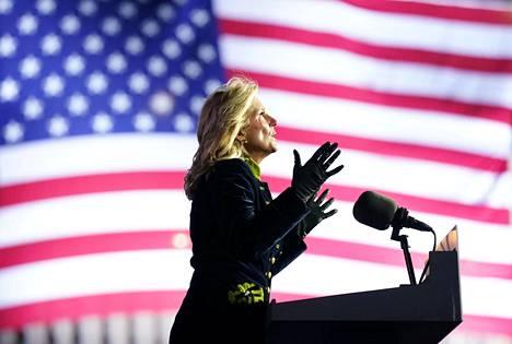 Jill Biden ei aio jättää omaa uraansa, vaikka hänestä tuleekin presidentin rouva.