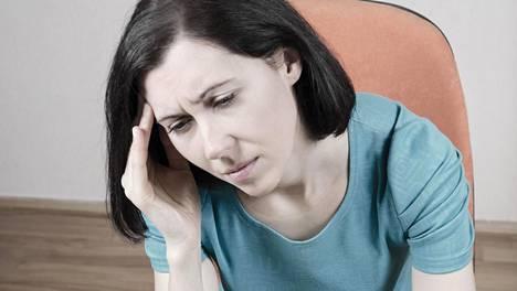 Verensokerin vaihtelu voi aiheuttaa epämiellyttäviä oireita, kuten päänsärkyä.